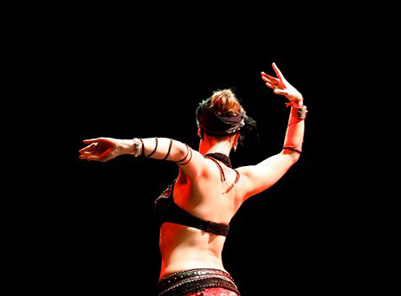 Tribal fusion corsi con Chiara Sangiovese ASD Artemide Torino